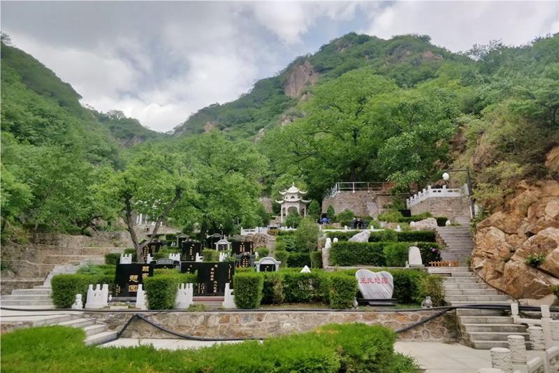 北京怀柔九公山墓地价格